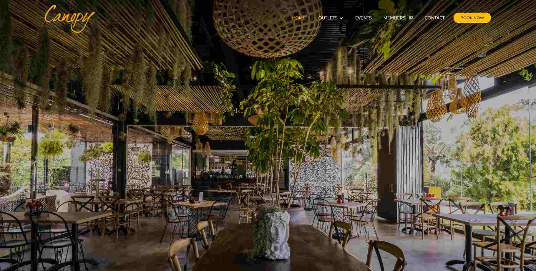 canopy Top Brunch Cafes in Singapote